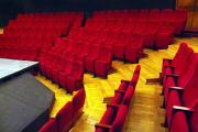 elokuvateatterin istuimet o1a