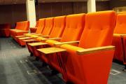 elokuvateatterin tuolit h